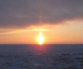 Полярное небо -солнце-свеча