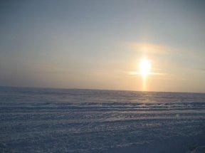 Полярное небо - солнце - огненный крест