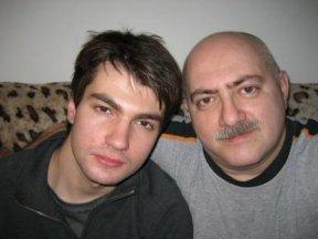 С сыном Романом Ахадовым