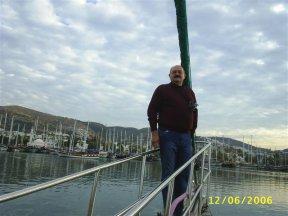 На носу брига в порту Галикарнас Эгейского моря