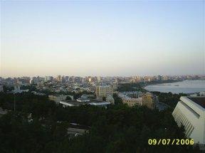 Вид на Баку с окрестных гор