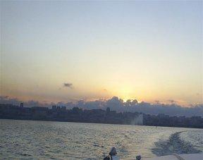 На катере по Бакинской бухте